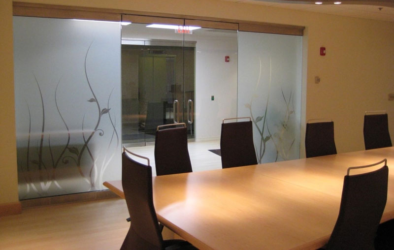 Advantages of Glass and Decorative Window Tint